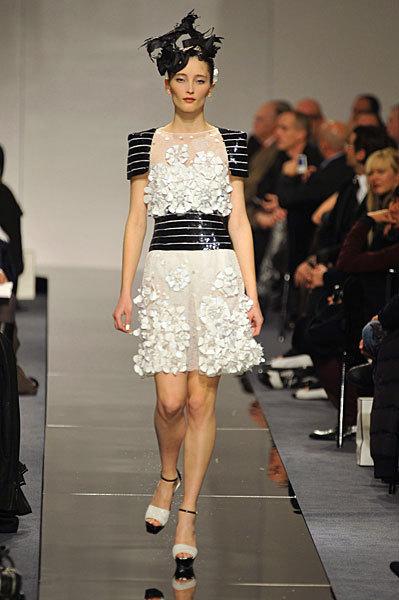 Chanel Spring 2009 Haute Couture. Изображение № 16.