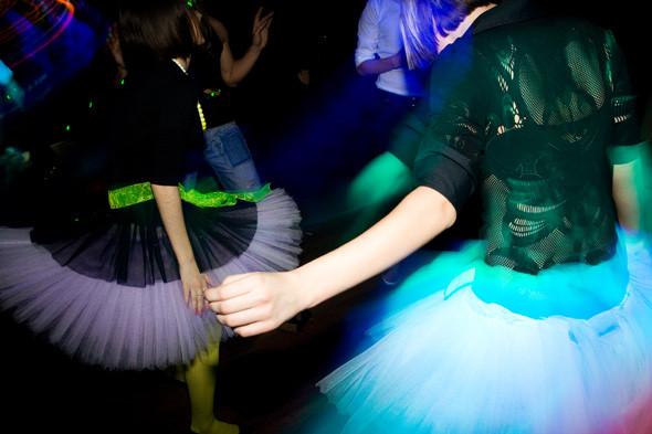 Прямая речь: Фотографы вечеринок о танцах, алкоголе и настоящем веселье. Изображение № 110.