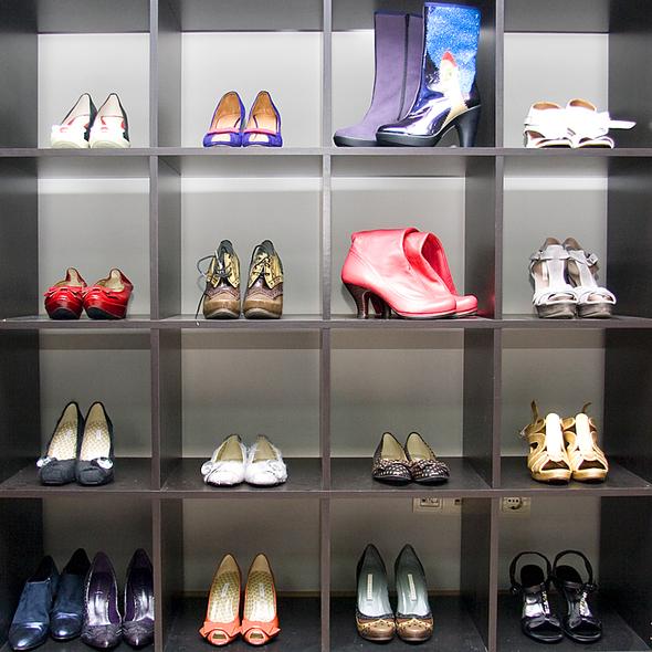 Испанская обувь. Изображение № 3.