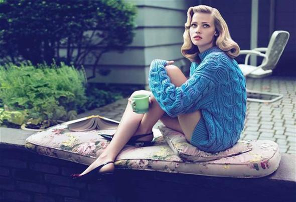 Lara Stone by Mert & Marcus for Vogue US September 2010. Изображение № 1.