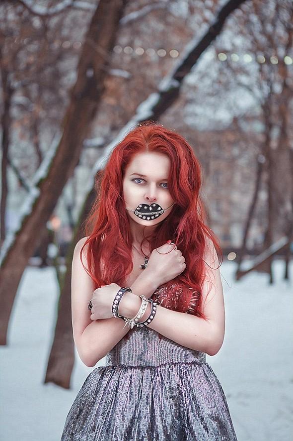 Фотокарточки Аннет Иоспа. Девушки, дети, поросята. Изображение № 49.