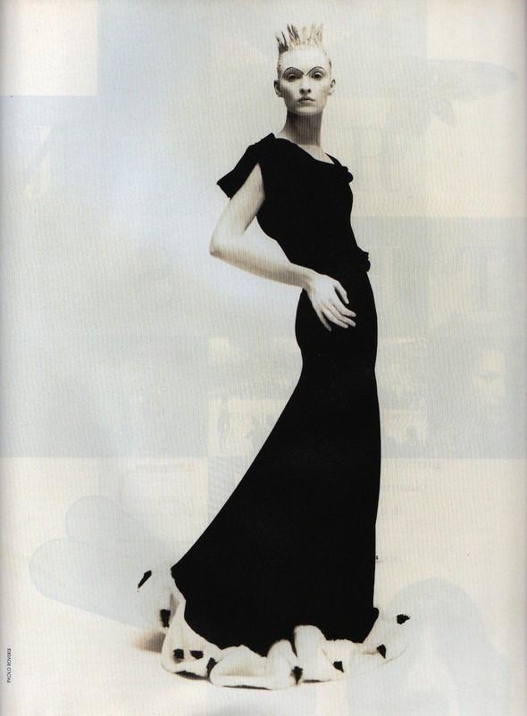 Архивная съёмка: Коллекция John Galliano в объективе Паоло Роверси, 1994. Изображение № 6.