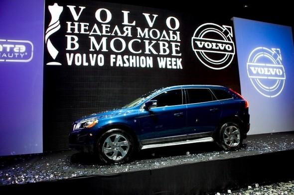 Volvo Fashion Week объективными глазами.ДЕНЬ ВТОРОЙ. Изображение № 1.