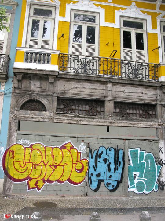 Граффити художники Os Gmeos о творческом пути. Изображение № 30.