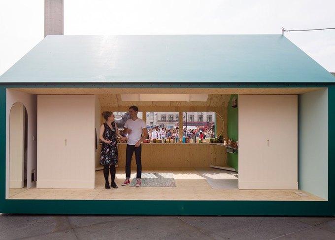 Дизайнеры создали инсталляцию для Airbnb на Трафальгарской площади. Изображение № 7.