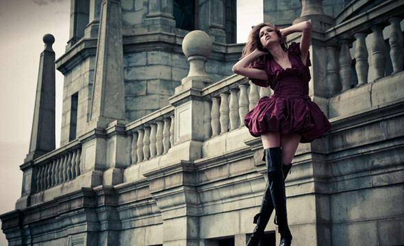 эротическое фото девушек в и возле замка