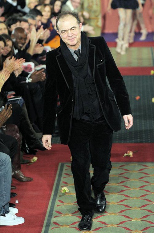 Неделя высокой моды вПариже: Кристиан Лакруа. Изображение № 17.