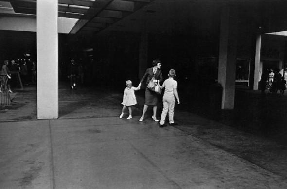 Гарри Виногранд о фотографии. Изображение № 10.