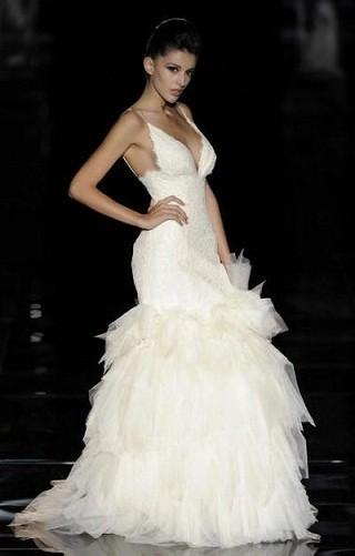"""""""Выбираем свадебное платье!"""" 93 идеи ведущих дизайнеров. Изображение № 52."""
