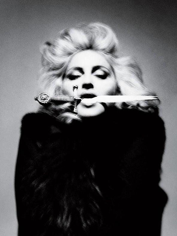 Мадонна в фото Мерта Аласа и Маркуса Пигготта для журнала Interview. Изображение № 7.