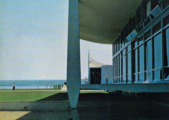 Арт-альбомы недели: 10 книг об утопической архитектуре. Изображение № 132.