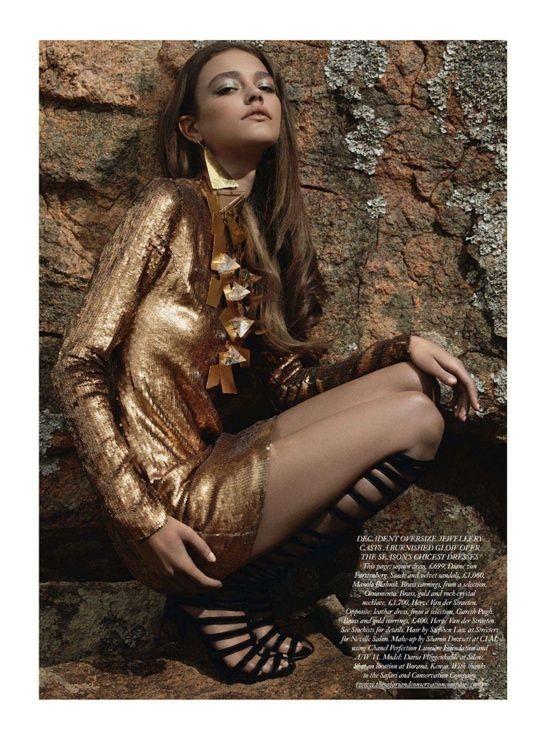 Съёмка: Daria Pleggenkuhle 4 Harper's Bazaar UK Dec 2011. Изображение № 6.
