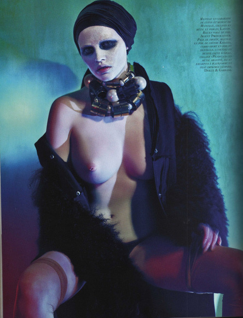 Lara Stone Vogue Paris October 2009. Изображение № 8.