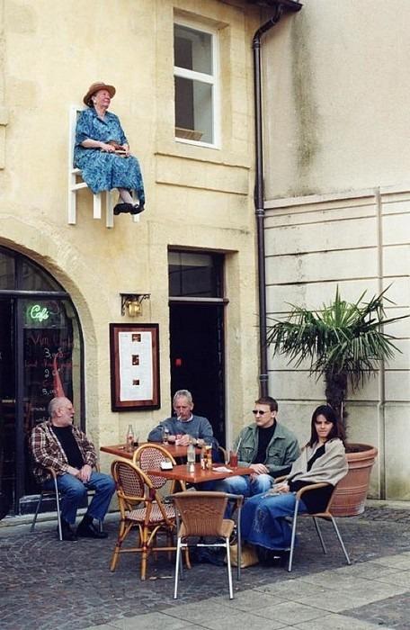 Старички, зависшие над городом. Изображение № 1.