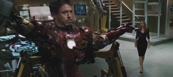 Не только Pixar старается рекламировать свои будущие фильмы в идущих в кинотеатрах лентах. Подобным занимается и Marvel, намекая на Капитана Америку в «Железном человеке».. Изображение № 22.