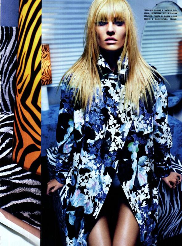 Candice Swanepoel для Vogue Italy, Март 2012. Изображение № 11.