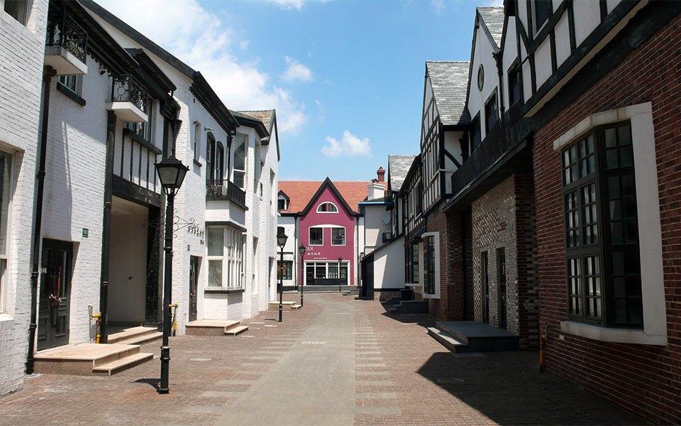 7 роскошных городов,  в которых никто  не хочет жить. Изображение № 5.