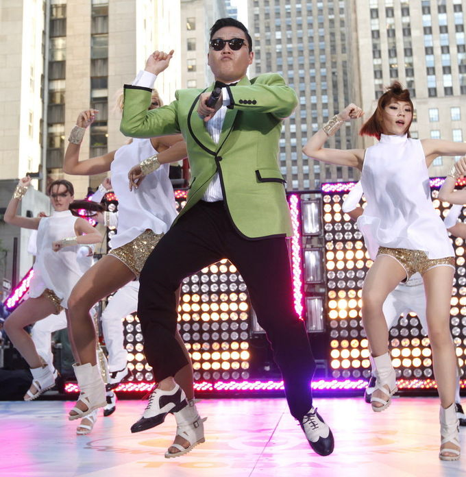 Британец скончался, танцуя Gangnam Style на корпоративе. Изображение № 1.