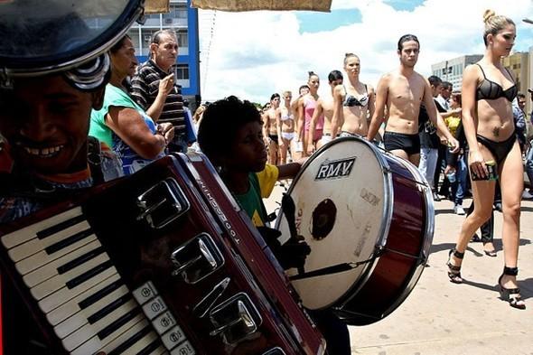 День нижнего белья в Бразилии. Изображение № 7.