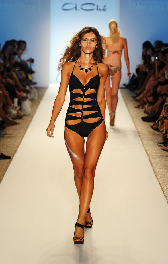 Купальный сезон 2012: Mercedes-Benz Fashion Week Miami [SWIM]. Изображение № 32.
