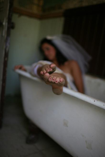 Trash the Dress: смерть свадебному платью!. Изображение № 20.