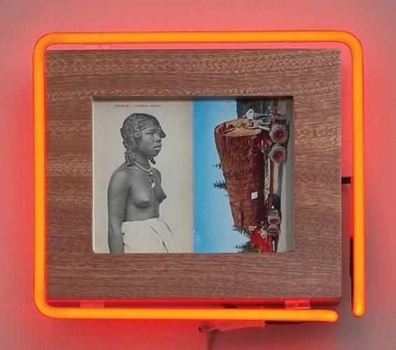 """Старые фотографии аборигенов и неоновые трубки в фотоинсталляции """"Рай"""". Изображение № 10."""
