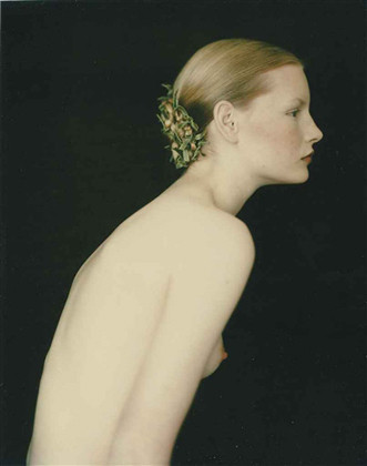 Части тела: Обнаженные женщины на фотографиях 1990-2000-х годов. Изображение №130.