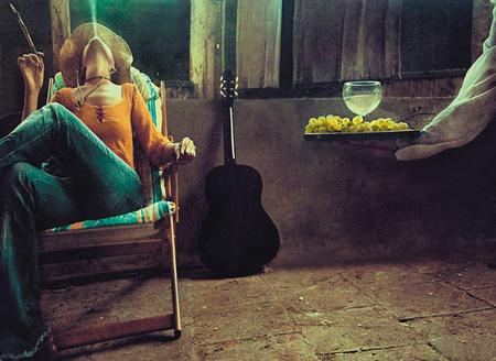Ноги, гитара, женщина – идеальные натюрморты. Изображение № 8.