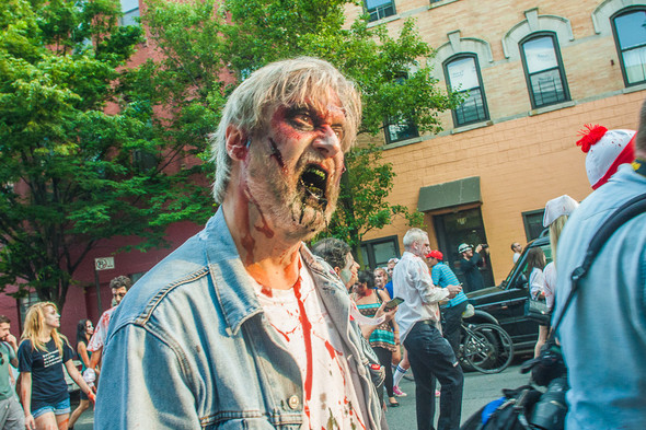 Зомби парад в Нью Йорке. NYC Zombie Crawl.. Изображение № 29.