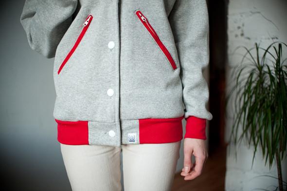 Украинская марка COOLHERE выпустила университетские куртки. Изображение № 3.