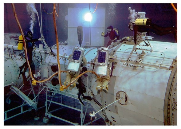 Космос Винсента Форнье. Изображение № 48.