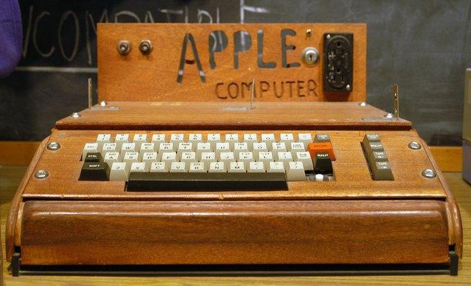 Christie's продаст один из последних работающих Apple I. Изображение № 1.