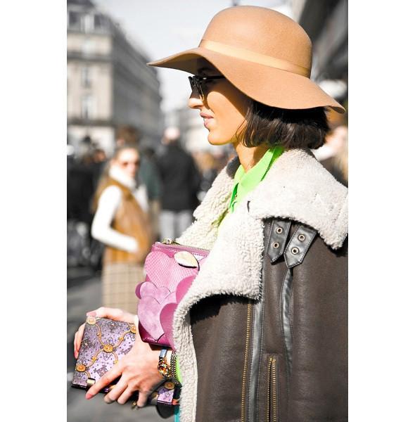 Изображение 3. На полях: 10 тенденций уличного стиля с прошедших недель моды.. Изображение № 3.