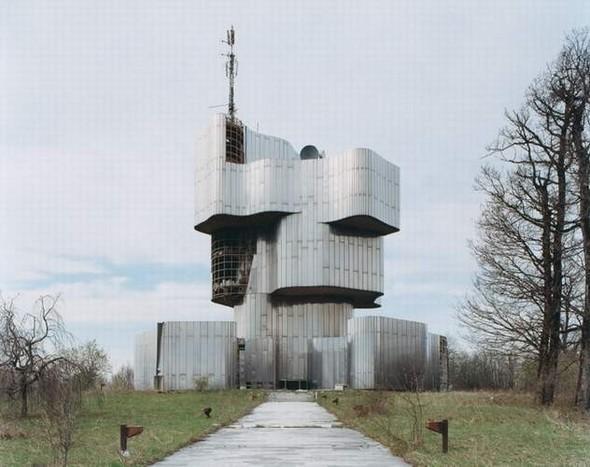ЯнКемпенаэрс. Югославские споменики. Изображение № 2.