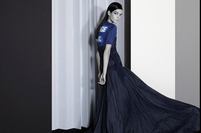 Вышли новые кампании Acne, Dior и Prada. Изображение № 12.