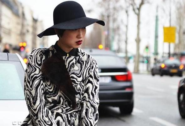 Головные уборы гостей Spring 2012 Couture. Изображение № 7.