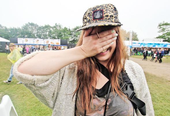 Индейские перья, фуражки и перстни: Люди на фестивале Roskilde. Изображение №18.