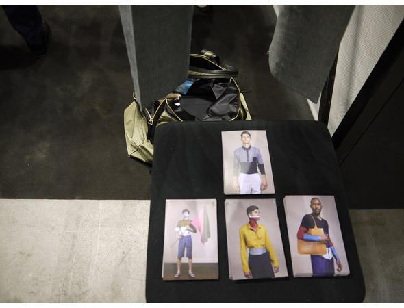 10A выпускают разные модели мужских брюк. Изображение № 2.