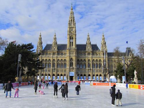 Зима в городе: где кататься на коньках в Европе и Америке. Изображение № 1.