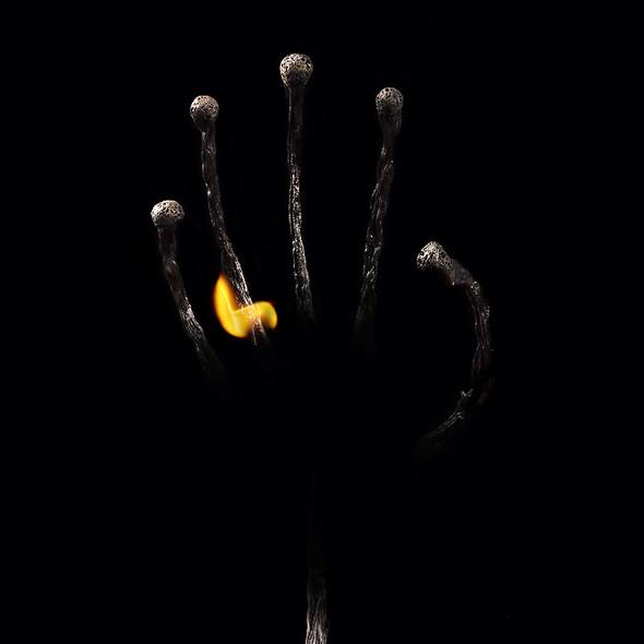 Картины из горящих спичек. Изображение № 30.