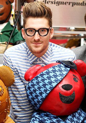 Медвежья услуга: плюшевые мишки от модных дизайнеров. Изображение № 3.