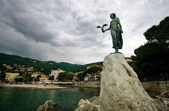 Жизнь в Опатии. Хорватия. Изображение № 21.