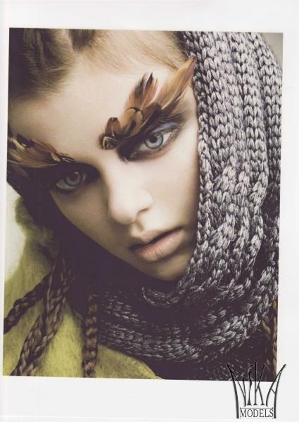 Маша Тельна – модель судивительно большими глазами. Изображение № 9.