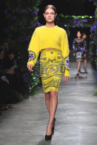 Givenchy, источник: Fashionologie.com. Изображение № 16.