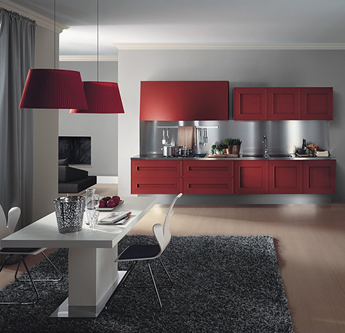 Яркий кухонный гарнитур Melograno из красного дуба от Composit. Изображение № 1.