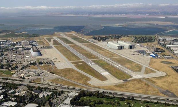 Компания Google арендовала аэродром у NASA. Изображение № 1.
