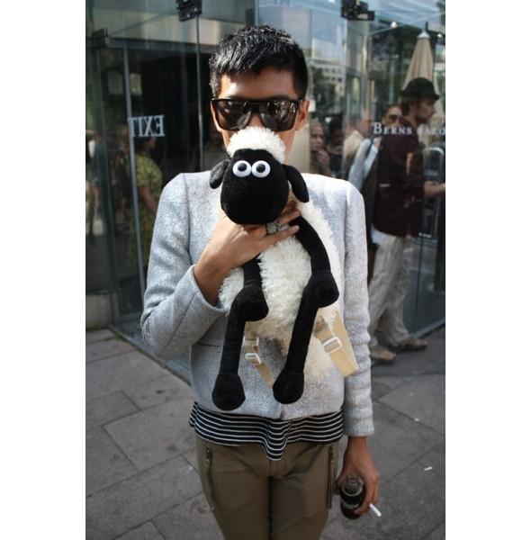 Луки с недель моды в Копенгагене и Стокгольме. Изображение № 59.