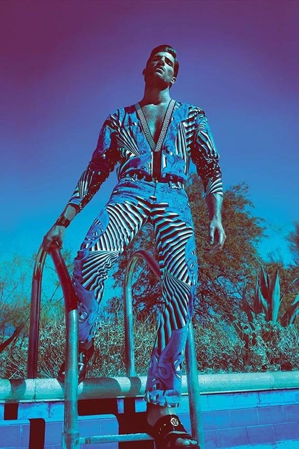 Превью кампании: Жизель Бундхен для Versace SS 2012. Изображение № 2.