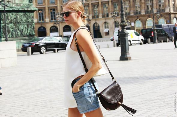 Уличный стиль на Неделе высокой моды в Париже. Изображение № 89.