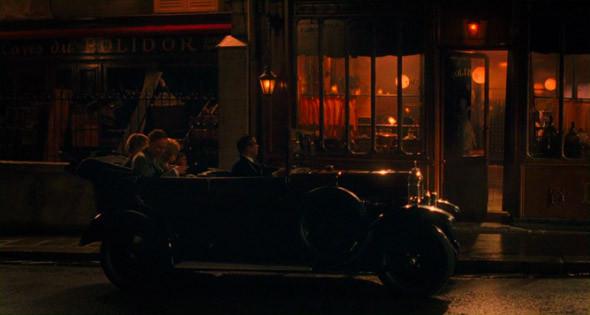 2. Polidor Еще один исторический ресторан, около Люксембургского сада, чье меню и интерьеры не изменились за последнюю сотню лет. В «Полночи в Париже» Гил Пендер, пытаясь вернуться сюда по окончании волшебных часов, в изумлении видит на его месте ландромат — на самом деле, кафе, конечно на месте.. Изображение №89.